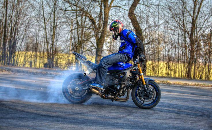 Yamaha R6 Stunt bike Blue