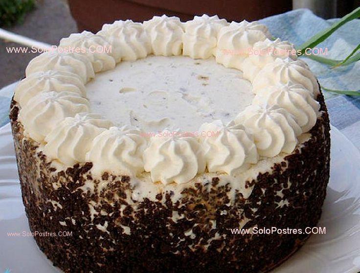 Pastel de crema casero de la esposa casera