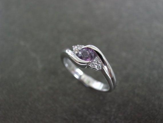 Diamond Wedding Ring with Amethyst in 14K White door honngaijewelry