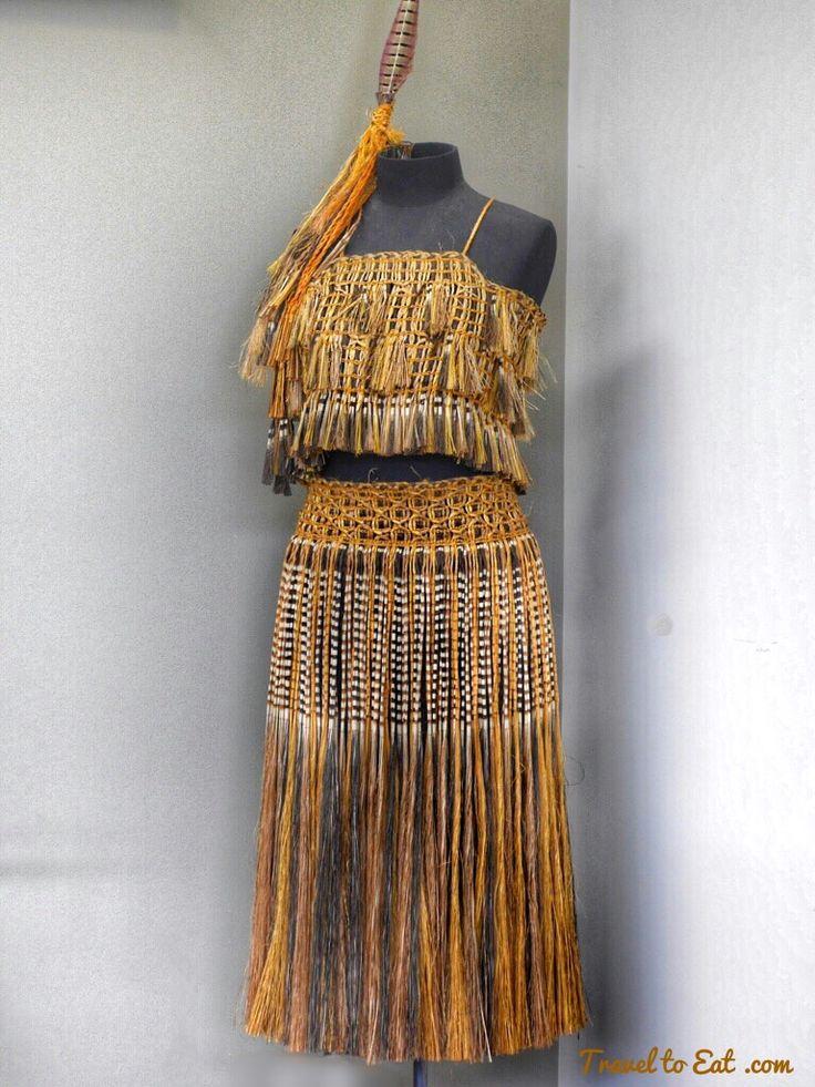 Kākahu (cloak weaving). Te Puia (Weaving School), Māori Arts and Crafts…