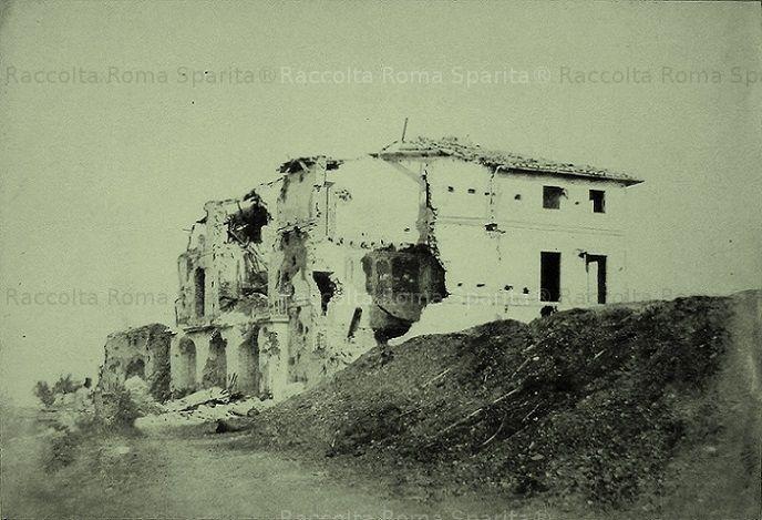 Gianicolo. Casino Barberini danneggiato dai cannoni Francesi nella battaglia per la Repubblica Romana Anno: 1849