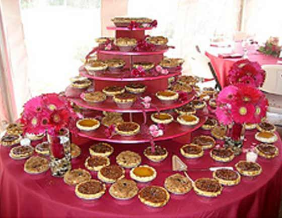 12 Amazing Mini-Desserts for Your Wedding | Intimate ... |Personal Pies Wedding