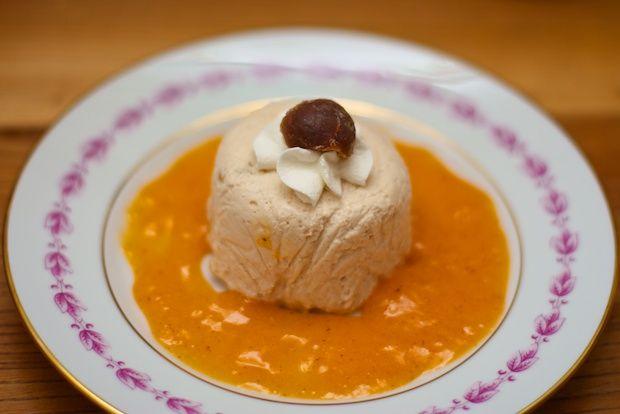 Musse di castagne con salsa di caco