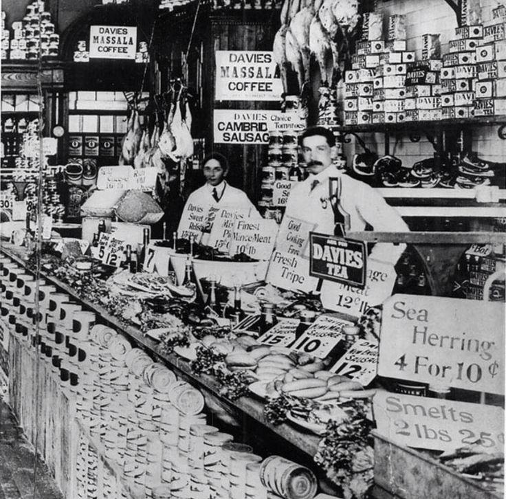 The Wm Davies Co. on Queen Street near Bay 1908