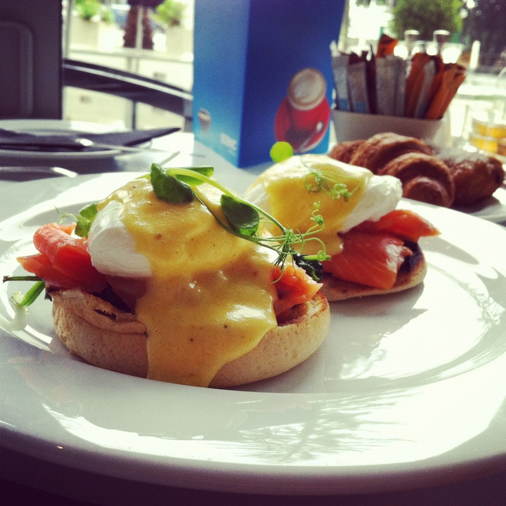 Poached eggs on English muffins with smoked salmon and hollandaise sauce - Napier, New Zealand