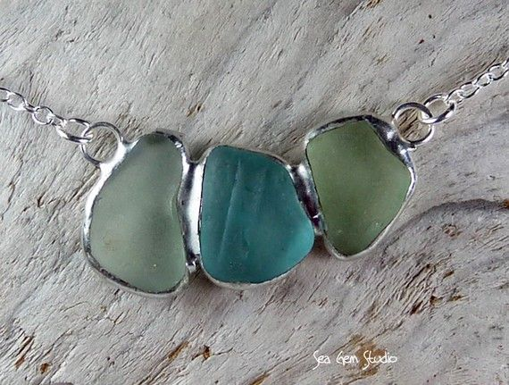 seaglass necklace. i totally need to learn how to wrap seaglass and make jewelry!