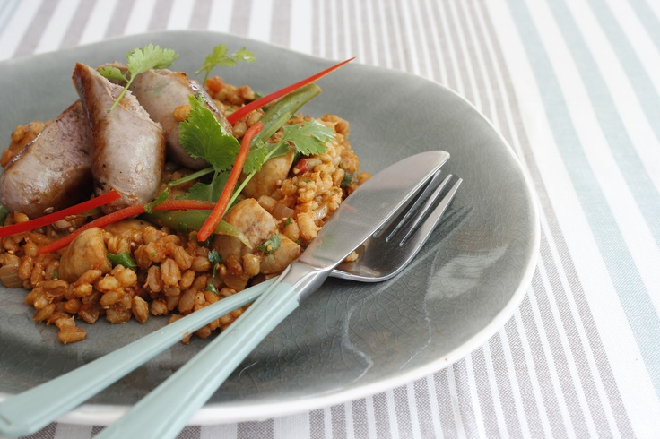 Tomato and barley ragout with beef bangers - http://hometalk.homechoice.co.za/content/tomato-and-barley-ragout-beef-bangers