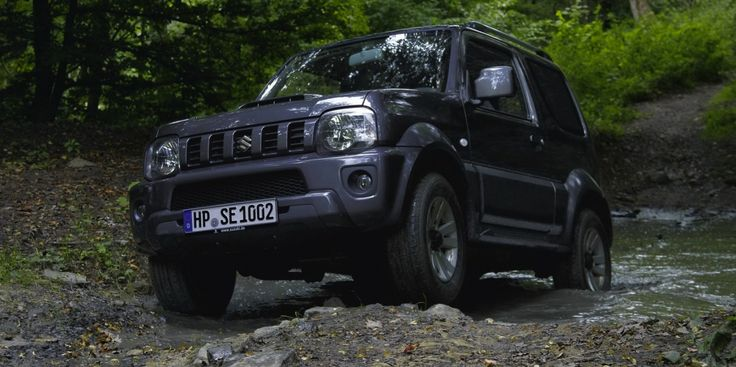 Suzuki Jimny Sierra returns with ESC, tweaked specs and pricing from $20,990 driveway - http://www.caradvice.com.au/311713/suzuki-jimny-sierra-returns-with-esc-tweaked-specs-and-pricing-from-20990-driveway/