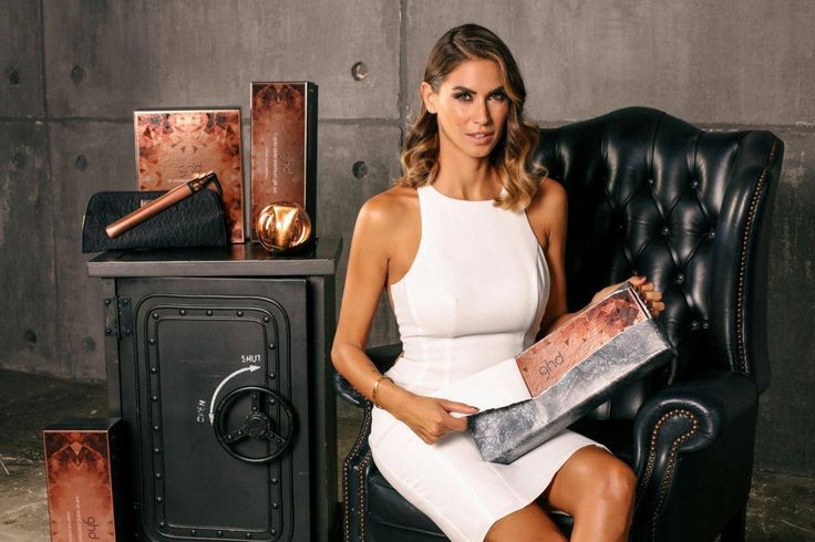 Melissa Satta and GHD Copper Luxe Limited Edition, for a super stylish Christmas! And you? Which#ghdstyler do you prefer? #Hair#styler#perfecthair#xmas2016#foryou
