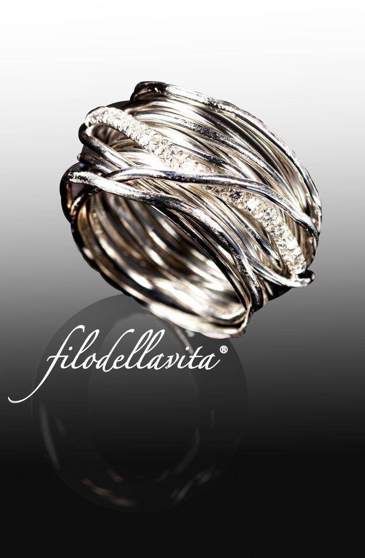 Filodellavita 13 Fili Argento e Diamanti Bianchi Silver and White Diamonds.
