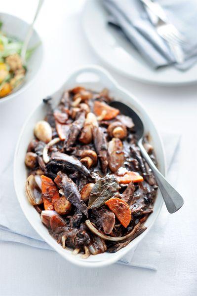 Hazenpeper is typisch een gerecht voor liefhebbers van wild, want hierin proef je de wildsmaak extra goed. En het is er nu hét seizoen voor!