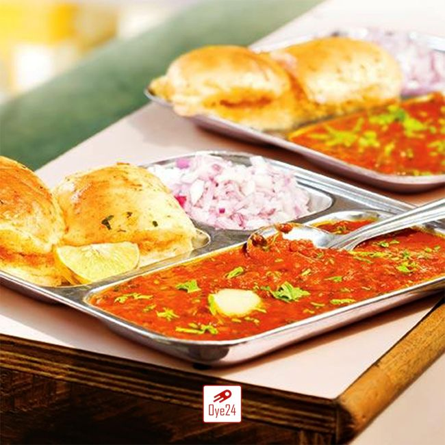 Get your favourite Mhow Kulfi's Pav Bhaji served at your doorstep! To order visit: www.oye24.com| or call on 0731- 471711 #oye24 #pavbhaji  #indorediaries #foodporn  #Bhookhlagihai