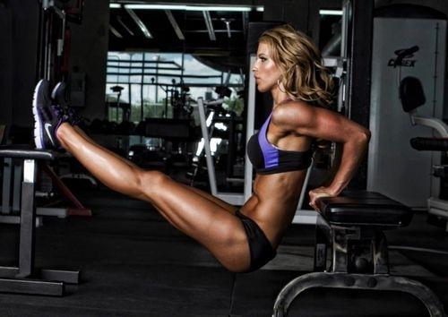 Female Fitness Motivation - Tricep dips