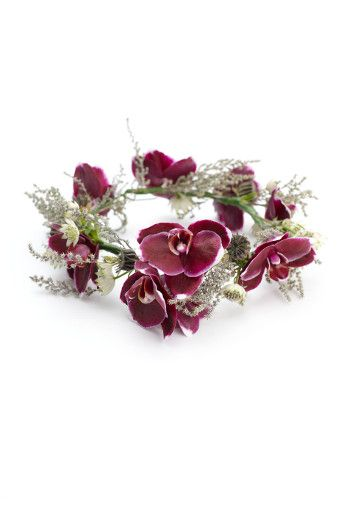 #ToDieFor #Thursday with #Capri #Jewelers #Arizona ~ www.caprijewelersaz.com ♥ Floral accessories for your #wedding day