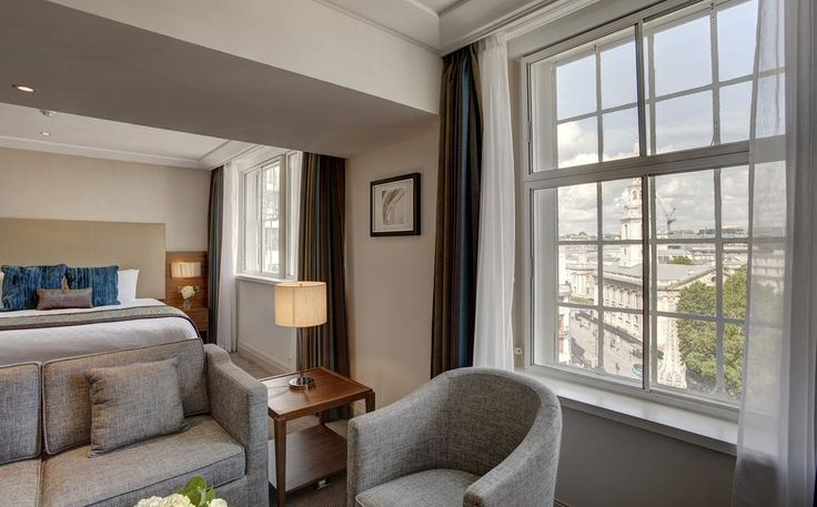 Just steps from Trafalgar Square and Covent Garden, Amba Hotel Charing Cross is housed in a beautiful, Grade II-listed building. This 4-star hotel features a restaurant and stylish rooms.  Smart, spacious rooms have unlimited free Wi-Fi, free minibars and Nespresso coffee makers.