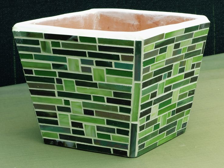 Groene vierkante bloempot met glasmozaïek