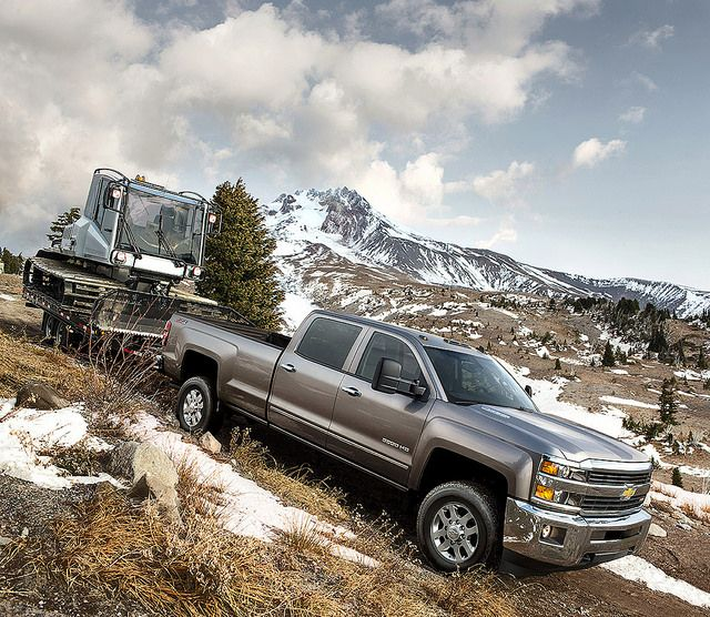 The new Chevy Silverado 2500HD is a BEAST!!