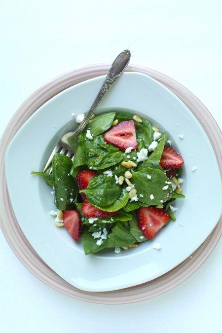 Homemade Strawberry VinegarStrawberries Vinegar, Feta Pine, Strawberries Salad, Balsamic Vinegar Spinach, Strawberries Spinach, Pine Nut, Homemade Strawberries, Spinach Salads, Strawberries Balsamic