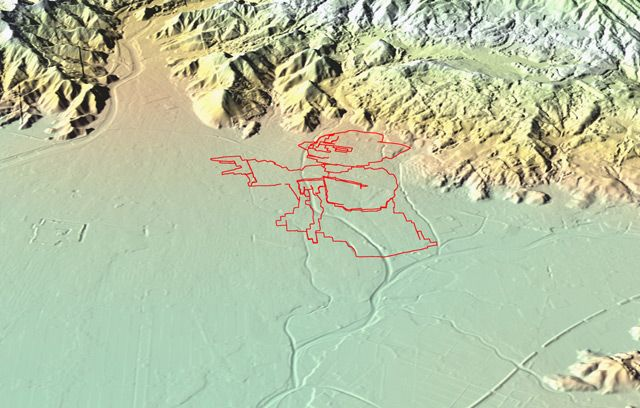 鳥瞰で見るとこんな。マスター・ヨーダよ、なぜそんな険しいところにいるのだ。。(国土地理院「基盤地図情報数値標高モデル」5mメッシュをカシミール3D…