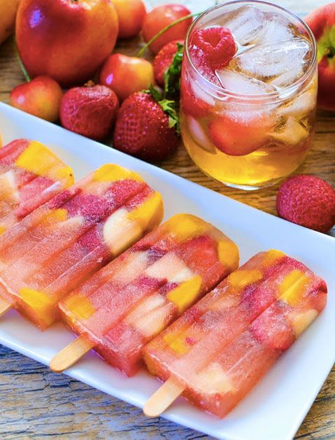 Iced tea sangria popsicles 10 Boozy Popsicle Recipes via @PureWow