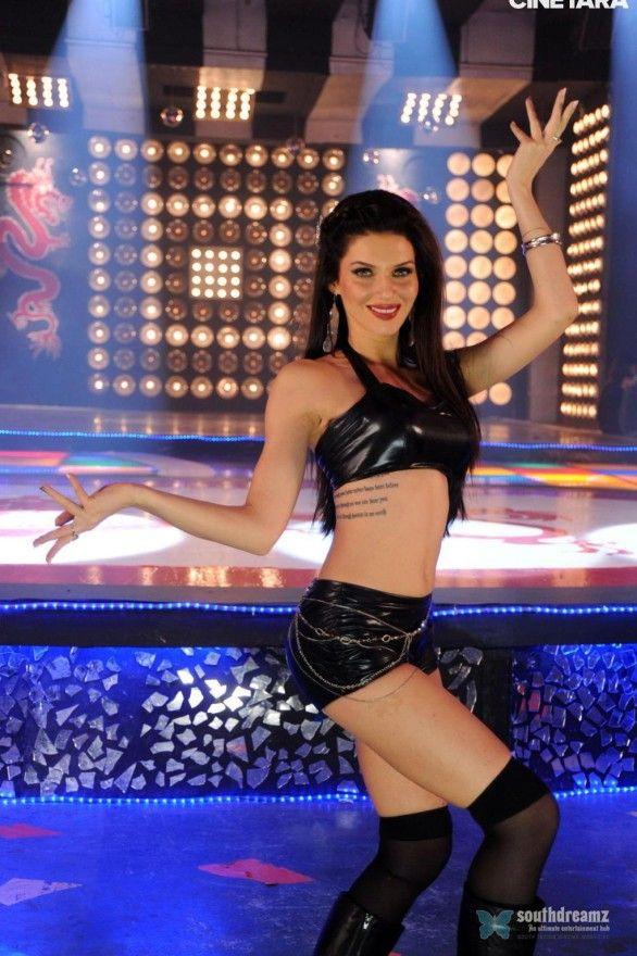 hot-indian-actress-scarlett-mellish-wilson-spicy-stills-20