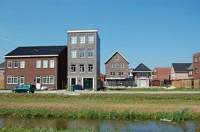 "Homeruskwartier, Almere Poort. Project: ""2-onder-1 kap, langs de singel"". Bron: BNSP."