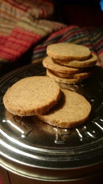 Gourmandises et Merveilles: Sablés à la farine de lentilles et au parmesan