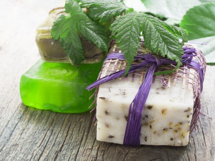 This lotion bar provides a soothing, moisturising alternative to lotions that is suitable for face, hands and all over the body.