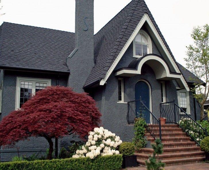 Stucco House With Purple Door | Minimalist Modern Darkolivegreen Gray House  Exterior Paint Idea With .