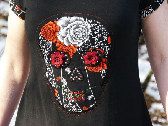 Women short sleeve with skull motif by LeeAMuerte on Etsy