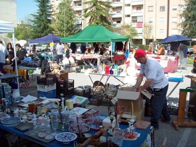 #Bescoreale, #pubblicato dal #Comune il #bando per il #mercatino dell'#usato - http://go.shr.lc/1MtC68j @ReportCampania