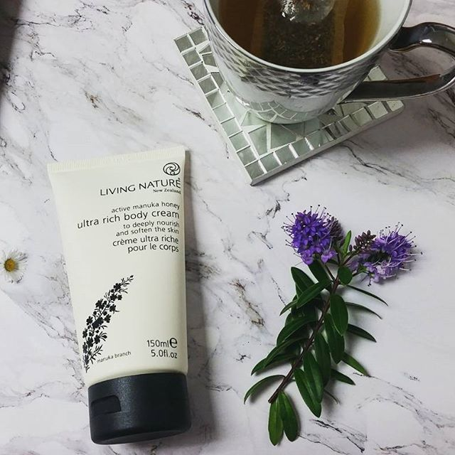 Living Nature Natural Product Ultra Rich ody Cream. Days are getting longer and nights are getting warmer, this can only mean that SUMMER is on its way! Keep your skin ultra hydrated with our Ultra Rich Body Cream!