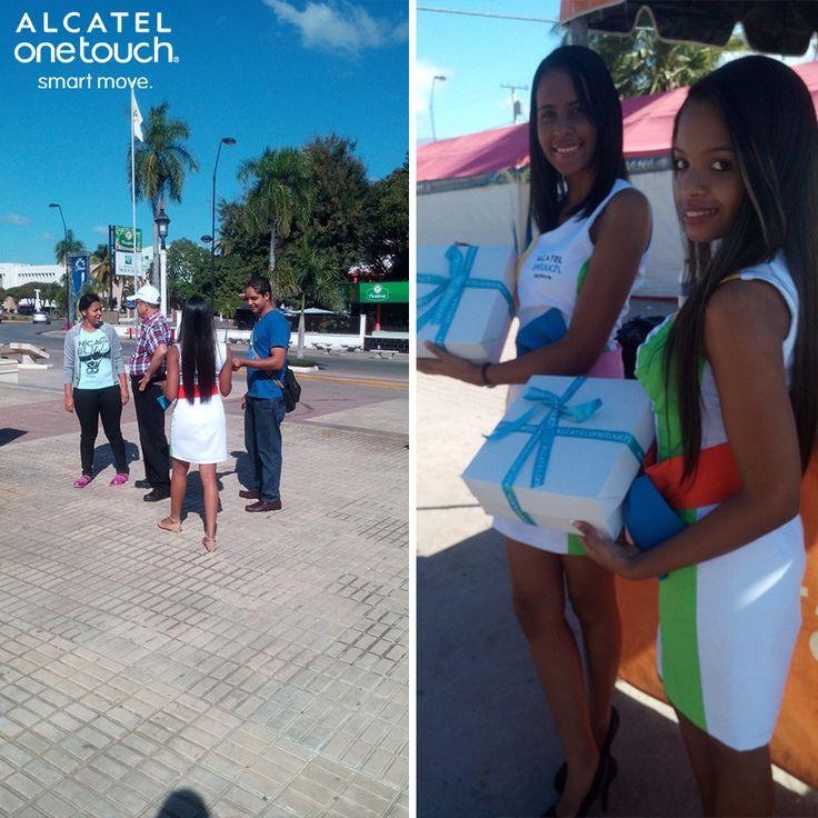 Las calles de San Juan de la Maguana se han llenado de los #RegalosMágicos de ALCATEL ONETOUCH.