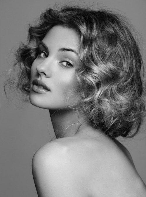 Elegante kurze Haarschnitte für runde Gesichter Bilder