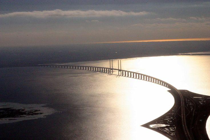 Oresund Bridge Between Sweden & Denmark - UnderWater-Bridge