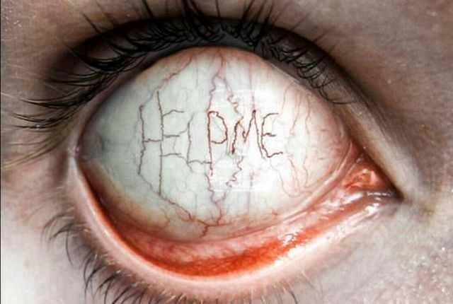 .: Scary, Help Me, Random Pics, Inspiration, Eye Contact, Creepy Pictures, Dark Side, Dark Art, Halloween