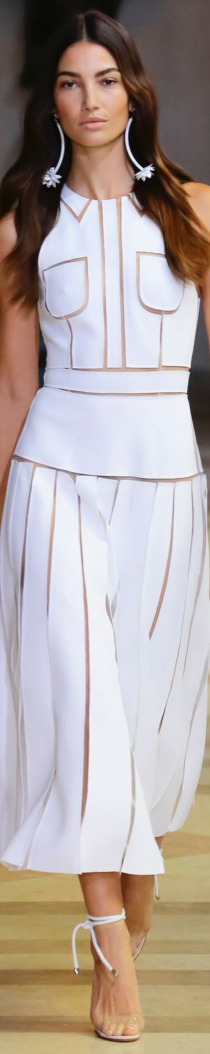 CAROLINA HERRERA SPRING 2016 RTW LOLO repinned by Bella Donna's Luxury Designs