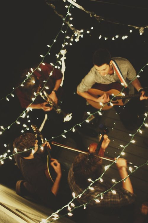 hellanne:    good music & good friends (by Savannah Hieronymus)