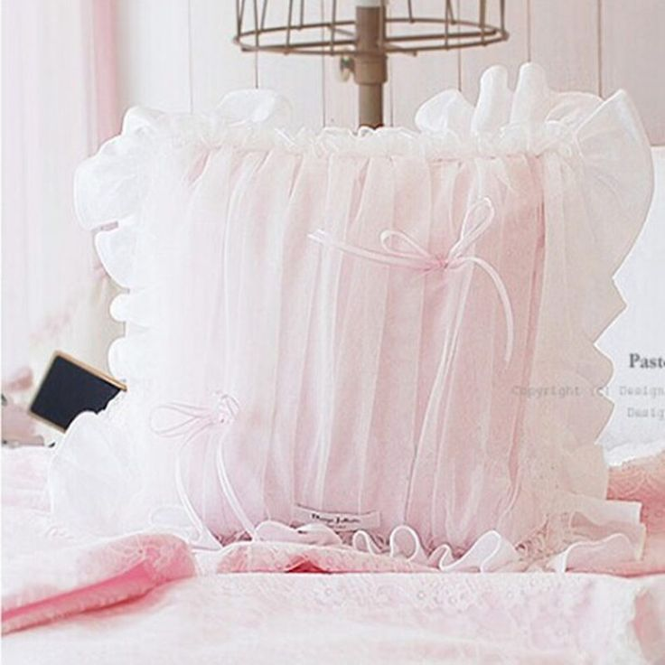 Chiffon tecido de qualidade de luxo sofá almofadas almofada de renda cor de rosa com arco princesa casamento têxtil travesseiros da cama travesseiro assento de carro(China)