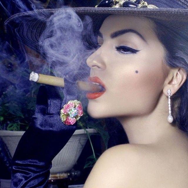 https://i.pinimg.com/736x/99/59/09/995909ddf0ea703a475fd3dbba65d92e--smoking-kills-cigar-smoking.jpg