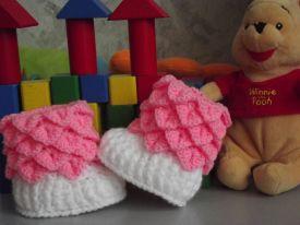 Crocodile stitch Baby booties Free Pattern