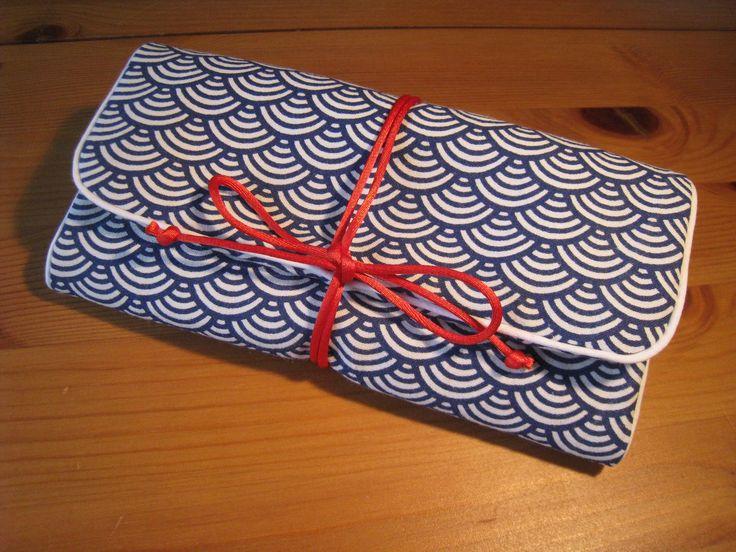 Trousse / Pochette à bijoux en tissu coton imprimé japonais vagues pour transporter les bijoux en voyage