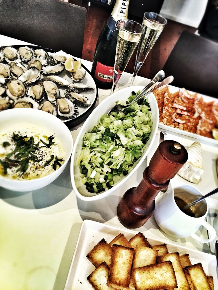 Prawns, oysters and Piper Heidsick