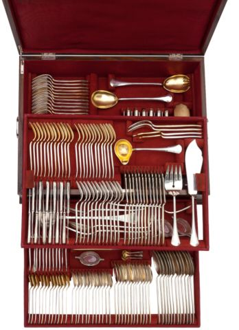Set of silver cutlery for twelve persons in the original cassette – 194 items | Aukce obrazů, starožitností | Aukční dům Sýpka