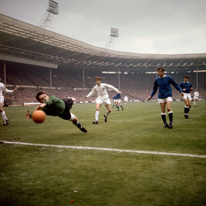 14th May 1966 Everton goalkeeper Gordon West makes a last grasp save against Sheffield Wednesday in the FA Cup Final at Wembley.