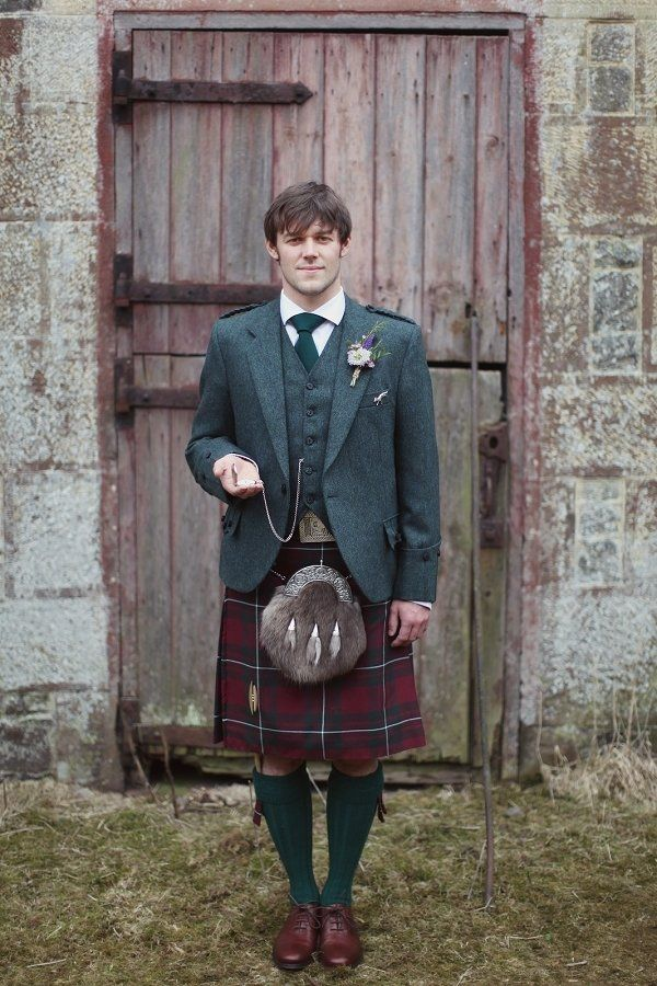 a kilt wearing Groom  Photography by http://craigsandersphotography.co.uk #wedding #scotland #scottish