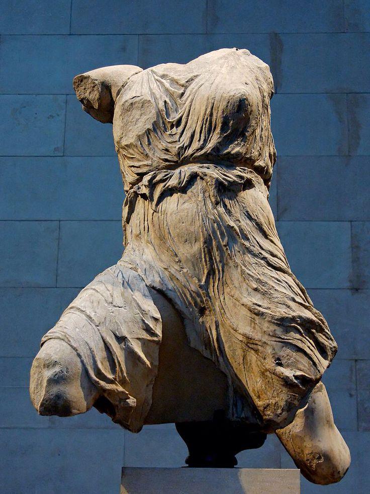 Fidia e aiuti , Iris. Dal frontone occidentale del Partenone, altezza 135 cm. Londra, British Museum.
