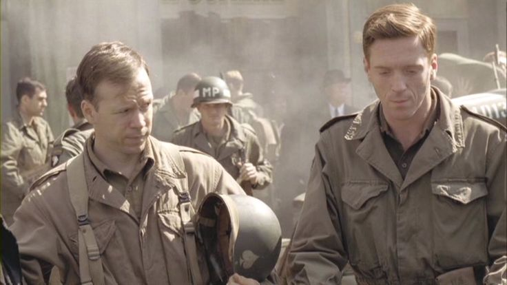 L: Donnie Wahlberg (Carwood Lipton) and R: Damian Lewis (Major Richard Winters)