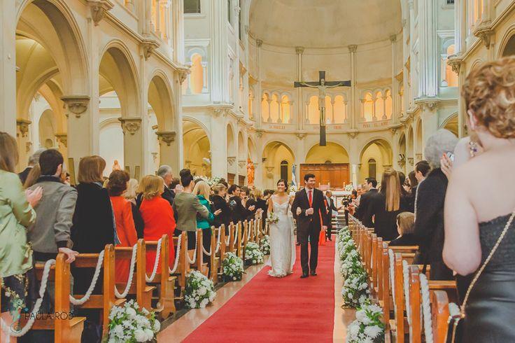 Paula Rod fotografa / Ceremonia religiosa / Fotoperiodismo de bodas / Reportaje social / Fotos de casamiento / Parroquia San Benito, Palermo, CABA /
