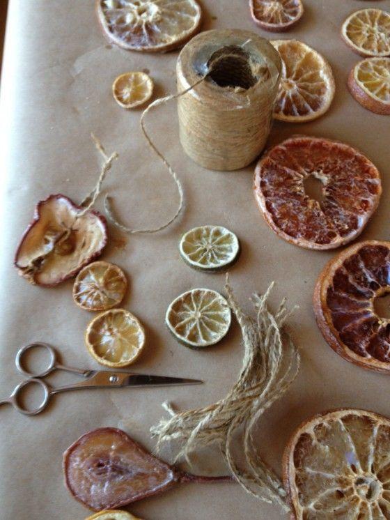 Faire séchées des fruits pour faire des ornements